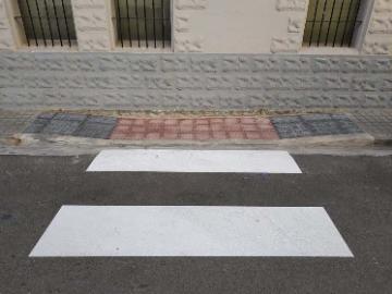 Bellreguard millora l'accessibilitat i la seguretat amb les obres de 24 passos de vianants
