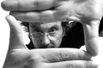 El conegut director Antonio Cuadri imparteix un curs de cine a Bellreguard