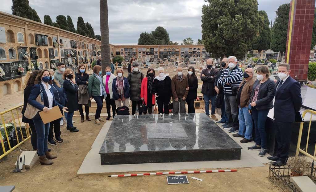 Una representació municipal assisteix a l'apertura del fossar de Paterna on s'espera trobar les restes de 4 bellreguardins represaliats pel franquisme