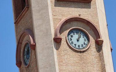 El Ayuntamiento repara y rehabilita el gran reloj público del campanario de Sant Miquel